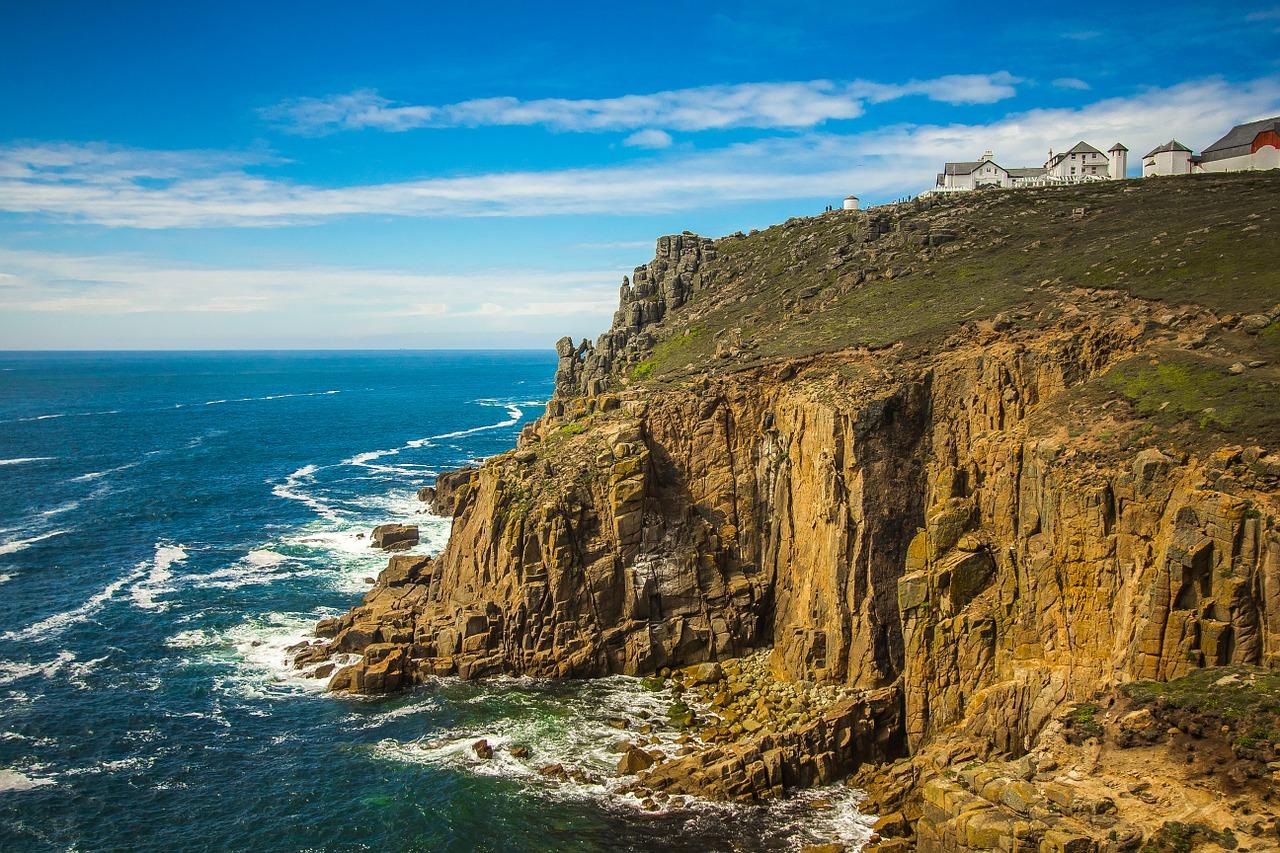 Die Schluchten von Cornwall sind ein absolutes Paradies für Hunde.