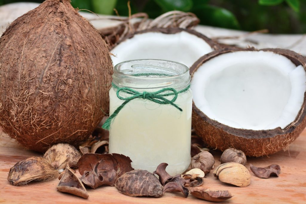Kokosöl für Hunde duftet lecker und schmeckt